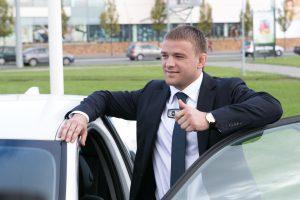 Vagys iš olimpiečio A. Kazakevičiaus automobilio pavogė vairą