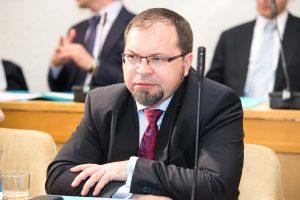 Teismas iš naujo spręs dėl buvusio ambasadoriaus R. Juškos papeikimo