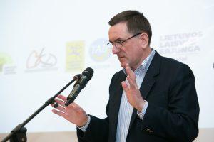 L. Bielinis: dėl centro dabar kovoja dar viena politinės partijos karikatūra