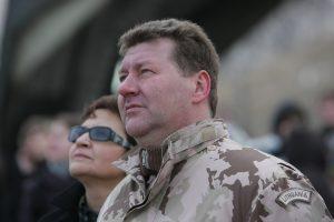 Policija sulaikė neblaivų vairavusį buvusį kariuomenės vadą V. Tutkų