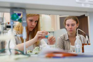 Ekspertai: mokslo ir studijų srityse Lietuva atsilieka nuo Latvijos ir Estijos