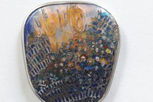 Metalo meno bienalėje – visuomenės kritika ir makabriški deriniai