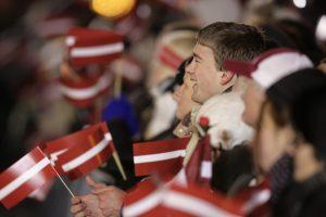 Latvijos parlamentas atmetė prezidento siūlymą dėl pilietybės nepiliečių vaikams