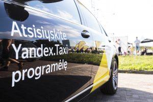 """Partneriai su rusų kapitalo """"Yandex. Taxi"""" sutarčių nutraukti neskuba"""