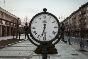 Mokslininkai – už nuolatinį vasaros laiką Lietuvoje