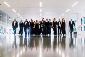 Nemokamame koncerte orkestras kviečia paremti Ukrainos vaikus