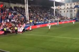 Ispanijoje sirgaliai patyrė šoką: per rungtynes įgriuvo tribūna