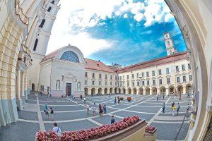VU prorektorius: studijų programas tenka uždaryti dėl dubliavimosi