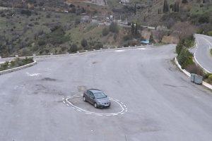 Spąstais bepiločiams automobiliams tampa paprasčiausia dažų linija