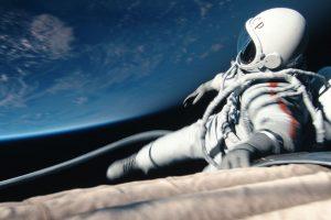 Kino premjeros: kosminė patriotizmo pamoka ir pažintis su būsimu žentu