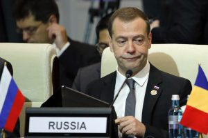 Rusija neatmeta galimybės nutraukti diplomatinius santykius su Ukraina