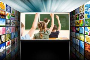 Istorijos pamokos televizijoje: mokytojos atradimai