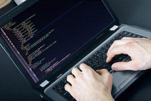 Elektroniniai sukčių laiškai atakuoja ir įmones