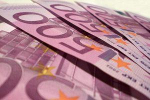 Panevėžyje iš stalčiaus pavogta 10 tūkst. eurų ir banko kortelė