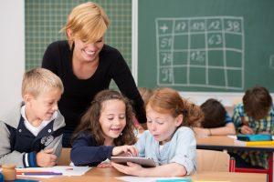 Ateities mokytojas: ar dirbtinis intelektas pakeis šiandienos pedagogą?