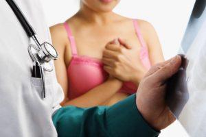 Daugiau kaip pusė moterų nesitikrina dėl krūties vėžio: neturi laiko ir bijo