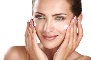 Kaip nuo žvarbos apsaugoti odą?