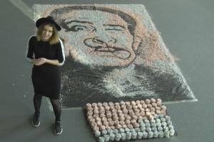 Menininkė J. Vaitkutė iš 8 milijonų litų atkūrė S. Dali portretą