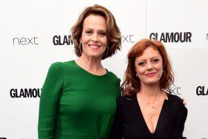 """Aktorėms S. Sarandon ir S. Weaver įteikti prestižiniai """"Glamour"""" apdovanojimai"""