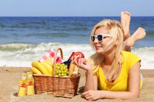 Kaip vasarą be kančių atsikratyti kilogramų ir pagerinti savijautą?