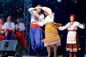 """Spalvingiausias savaitės akcentas – gatvės teatrų festivalis """"Šermukšnis"""" (programa)"""