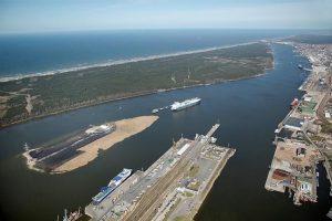 Dėl saugumo aptverta Malkų įlankos krantinė