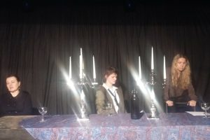 Pilies teatro sezoną vainikuos nauja komiška drama