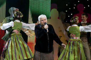Folkloro dainininkė V. Povilionienė prabilo apie kovą su krūties vėžiu