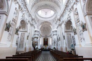 Sumos vis auga: katalikų bažnyčiai skirta daugiau nei 1,2 mln. eurų