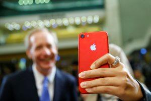"""Pradėjo tyrimą dėl """"Apple"""" planuojamo """"iPhone"""" modelių senėjimo"""