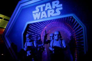 """""""Disney"""" planuoja kurti naują """"Žvaigždžių karų"""" trilogiją"""