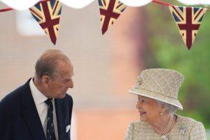 Britanijos karalienė ir princas Philipas švenčia 70-ąsias vestuvių metines
