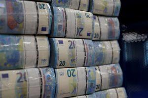 Klaipėdietis sukčiams atidavė įspūdingą sumą pinigų