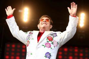 Pop legenda E. Johnas paskelbė apie paskutinį koncertinį turą