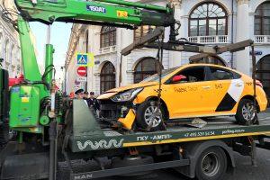 Maskvoje taksi automobilis rėžėsi į žmones, yra sužeistųjų (atnaujinta)