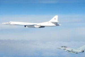 Londonas rusų bombonešių skrydį netoli Britanijos pavadino agresijos aktu