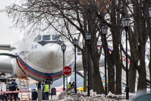 Išvaryti rusų diplomatai grįžo namo, Maskva perspėja nevykti į JK