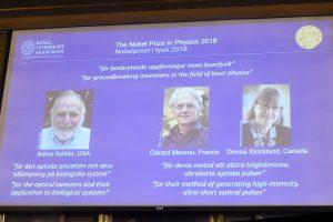 Nobelio fizikos premija – trims lazerių tyrėjams