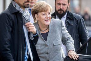 A. Merkel formuojant naują vyriausybę derybos primena pokerio partiją
