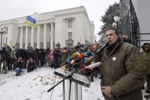 M. Saakašvilis teismo salėje pareiškė esąs karo belaisvis