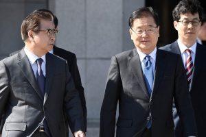 Pietų Korėjos pasiuntiniai atvyko istorinio vizito į Šiaurės Korėją