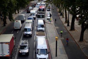 """""""Brexit"""" gali """"sunaikinti"""" JK automobilių sektorių"""