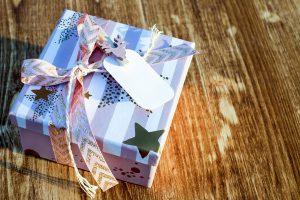 Kiek pinigų žmonės kalėdinėms dovanoms išleis šiemet?