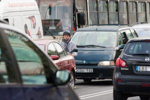 Geros žinios vairuotojams: nereikės vežiotis krūvos dokumentų