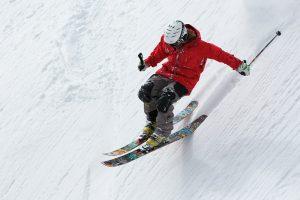 Kineziterapeutas pataria, kaip sumažinti traumų tikimybę slidinėjant kalnuose