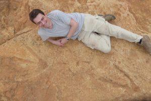 Mokslininkai atrado naują mėsėdžio dinozauro rūšį