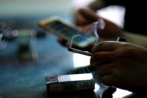 Per metus rūkyti metė rekordiškai daug prancūzų. Kas paskatino šiuos pokyčius?