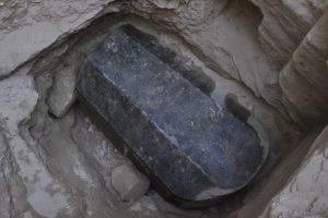 Atvertas senovinis sarkofagas sensacijų nepažėrė