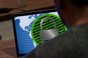 JAV įvedė sankcijas Rusijos įmonėms dėl kibernetinių atakų
