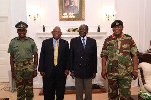 Zimbabvės prezidentas sutiko atsistatydinti